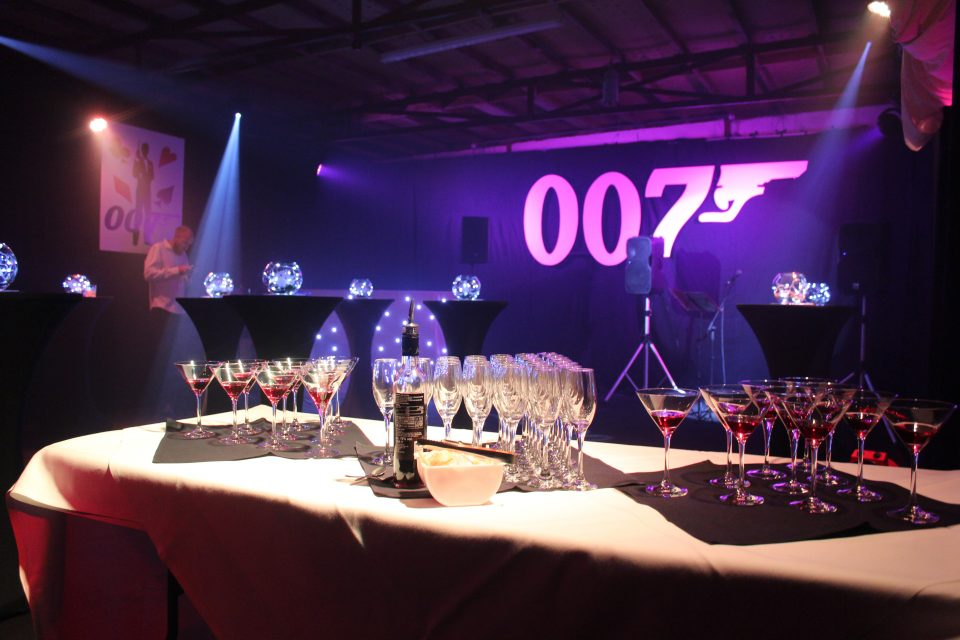 James bond party decorations props throw a 007 theme party for 007 decoration ideas